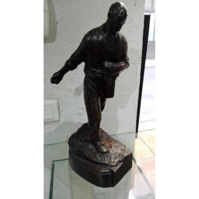 Statue Represantant Un Semeur En Bronze