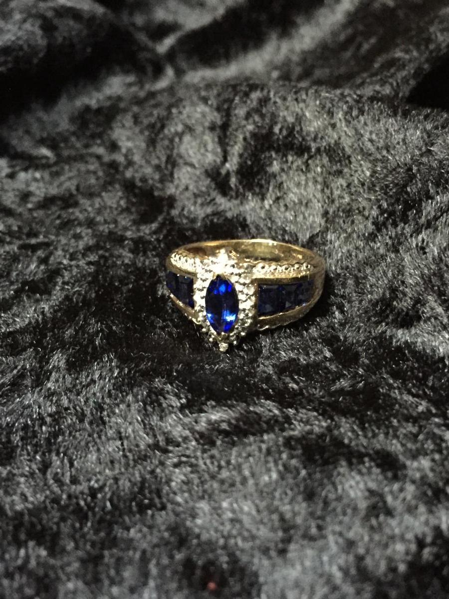 Two Tone Gold Ring, Sapphires.