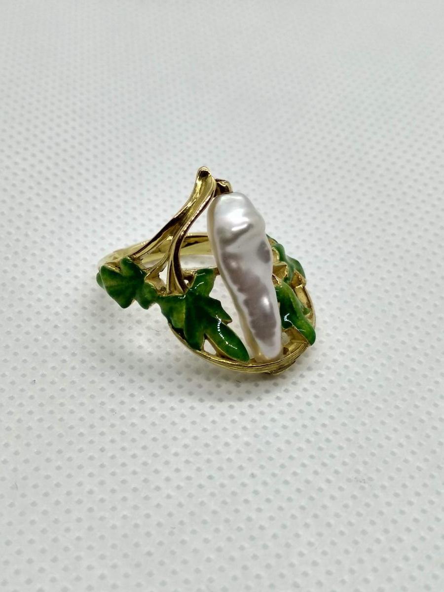 Bague Art Nouveau émaillée Ornée d'Une Perle Baroque