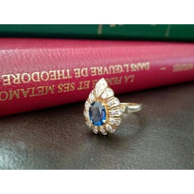 "Bague ""poire"" En Or, Saphir Et Diamants"