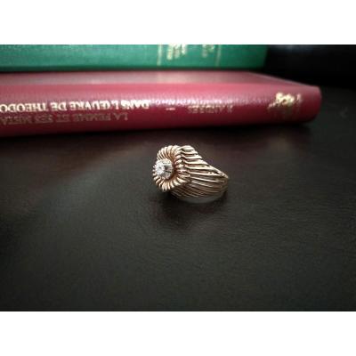 Bague Ajourée En Or Et Platine Ornée d'Un Diamant. Circa 1950