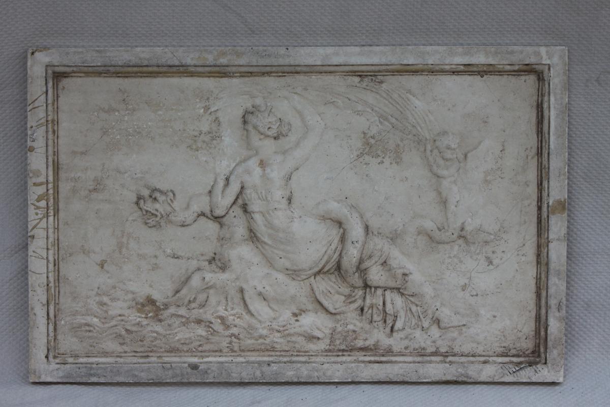Bas Relief En Plâtre