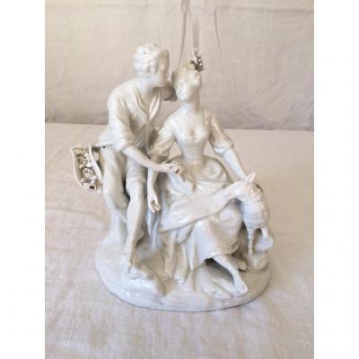 Statue En Porcelaine - Scene Galante De Berger Et Bergere