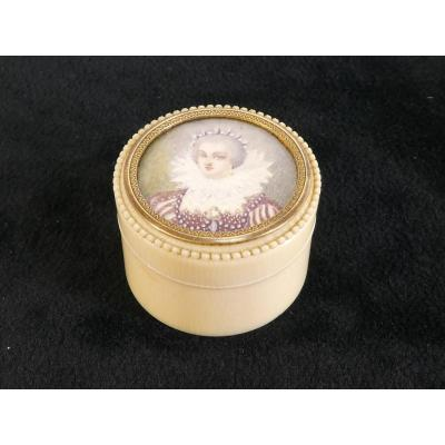 Ivory Pill Box Painting By Marie De Medicis 19th