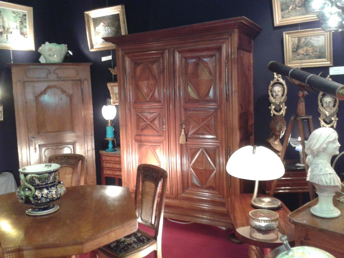 galerie antiquites pele mele. Black Bedroom Furniture Sets. Home Design Ideas