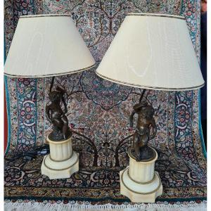 Paire De Lampes En Marbre Blanc Et Angelots Bronze