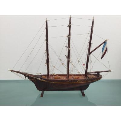 Maquette d'un voilier trois mâts barque