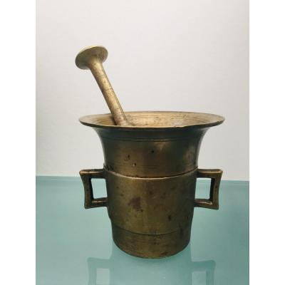Mortier et son pilon en bronze XVIIIème