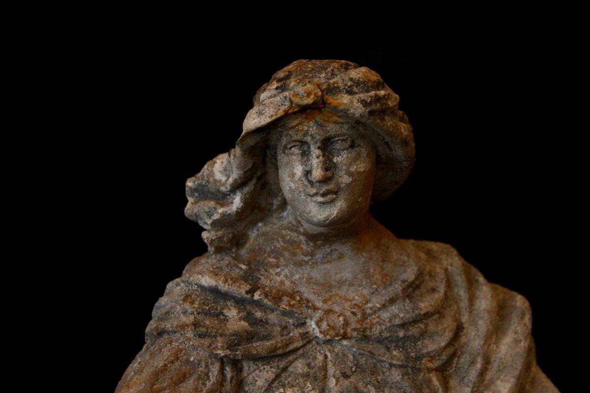 Sculpture En Pierre De Bourgogne D'époque Début XVIIe Siècle-photo-1