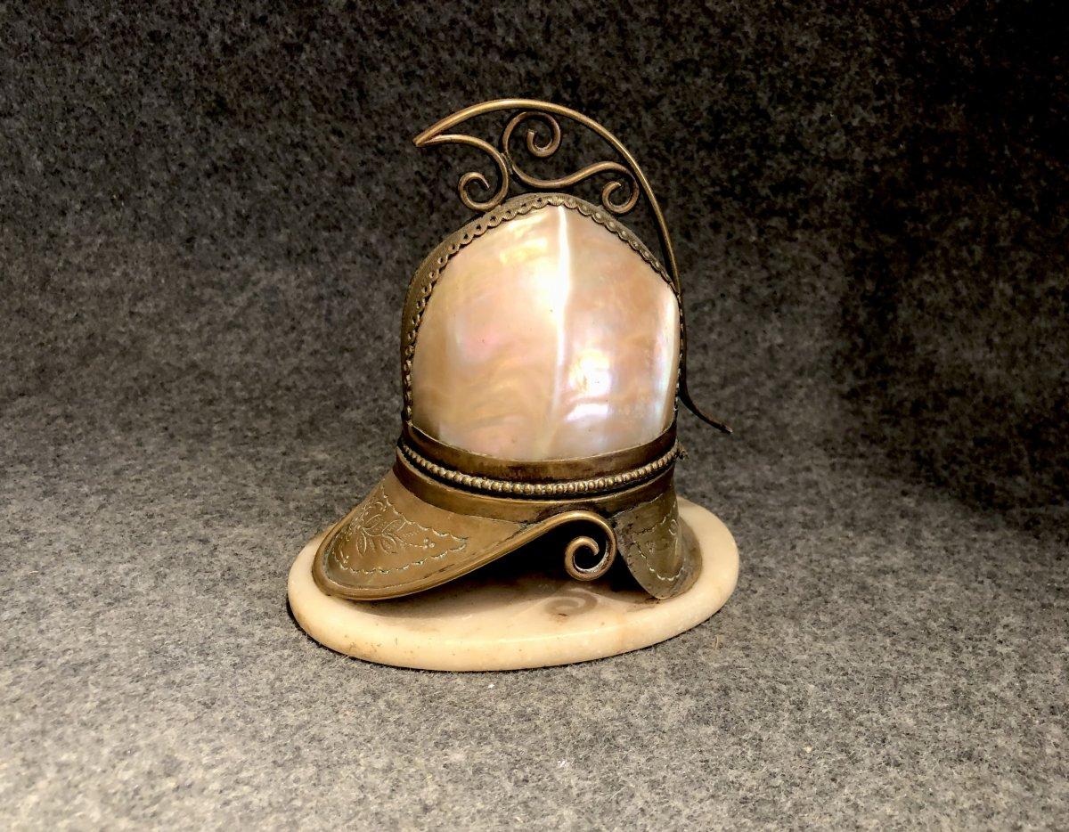 Coquillage Monté En Casque Formant Boîte, XIXe Siècle