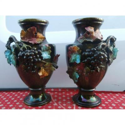 Paire De Vases En Barbotine