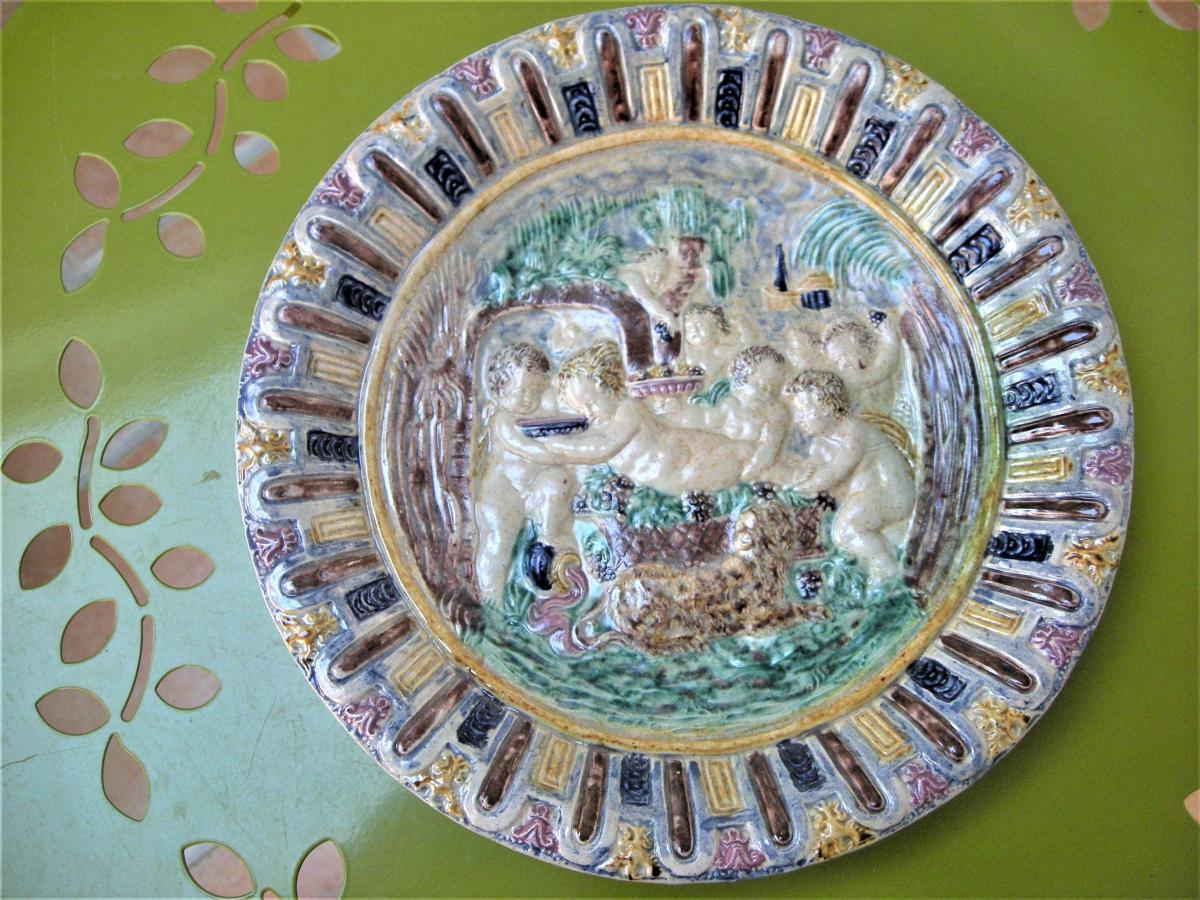 """Plat  Ceramique  """" l' Enfance  De  Bacchus """"  Suiveurs  De  Palissy"""