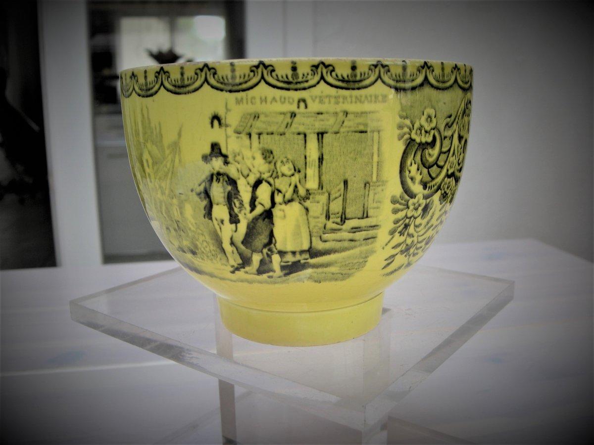 Tasse  1844  faience  jaune de GIEN  décor  VETERINAIRE