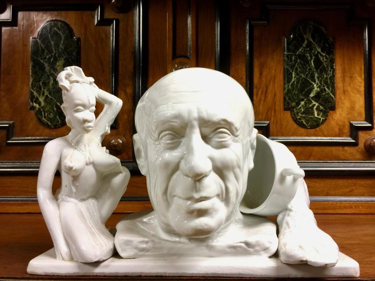 Jean Decloquement composition en porcelaine Représentant Picasso