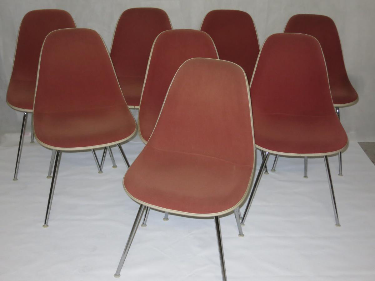 Suite de 8 chaises Charles et Ray EAMES Edition Herman Miller DSX
