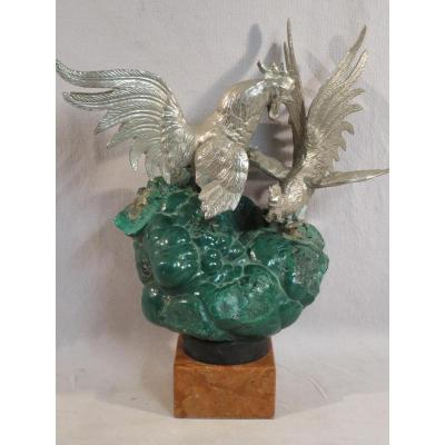 Sculpture Roosters Fight On A Block Of Malachite Brut