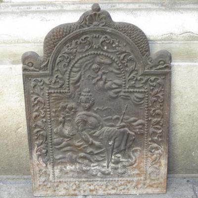 Plaque de cheminée en fonte XVIIIe Aix à décor d'une reine et de dauphins
