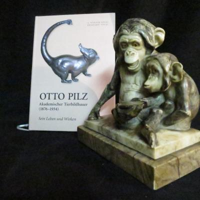 Otto Pilz (1876-1934) German Animal Rare Sculpture Marble Mother Monkey And Her Small