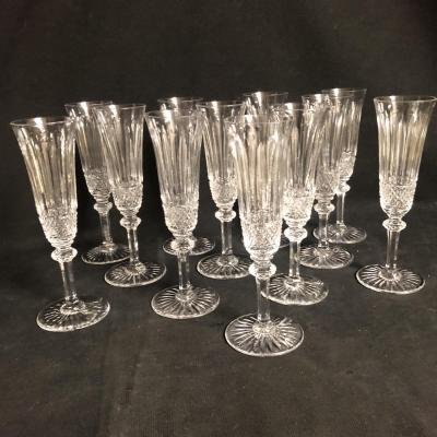 Cristallerie Saint Louis 12 Champagne Flutes Model Tommy Crystal In Very Good Condition
