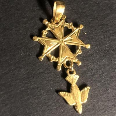 Huguenote Cross Pendant In 18k Yellow Gold Protestant