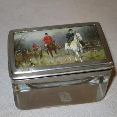Small Box XIXth With Painted Decor Chasse A Courre Signed Equitation