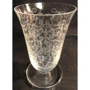 BACCARAT Vase tulipe en cristal Modèle MICHEL-ANGE En très bon état