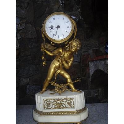 Pendule Style Louis XVI Epoque Napoleon III Au Sujet De Cupidon En Bronze