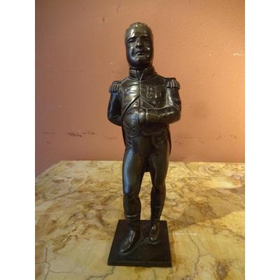 Bronze représentant Napoléon debout