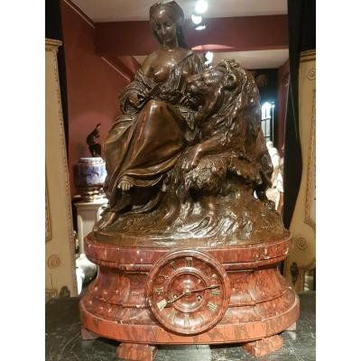"""Imposant Groupe En Bronze Sur Pendule Par Moreau """" Allégorie du lion amoureux"""""""