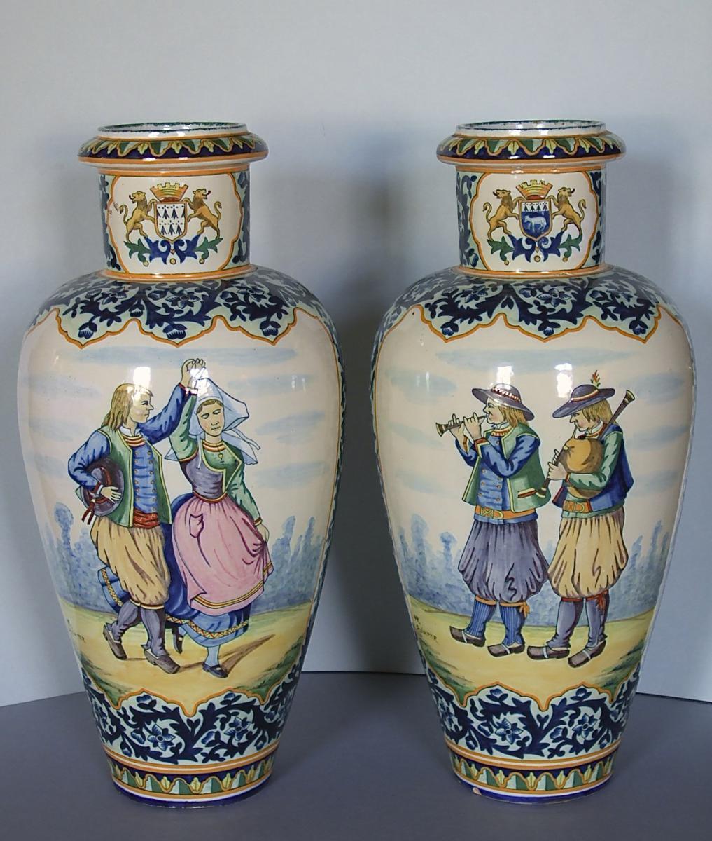 Paire De Vases Faïence De Quimper (Henriot)