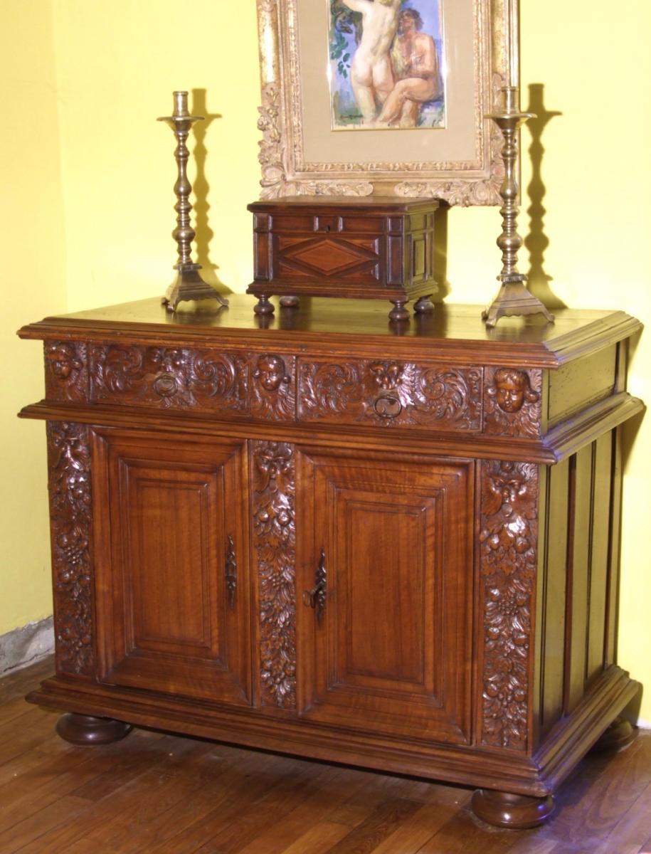 Buffet époque Louis XIII En Noyer