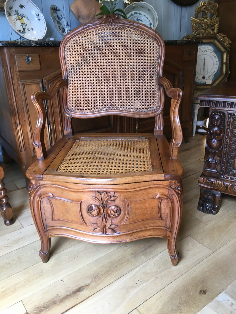 18 Eme Convenience Chair