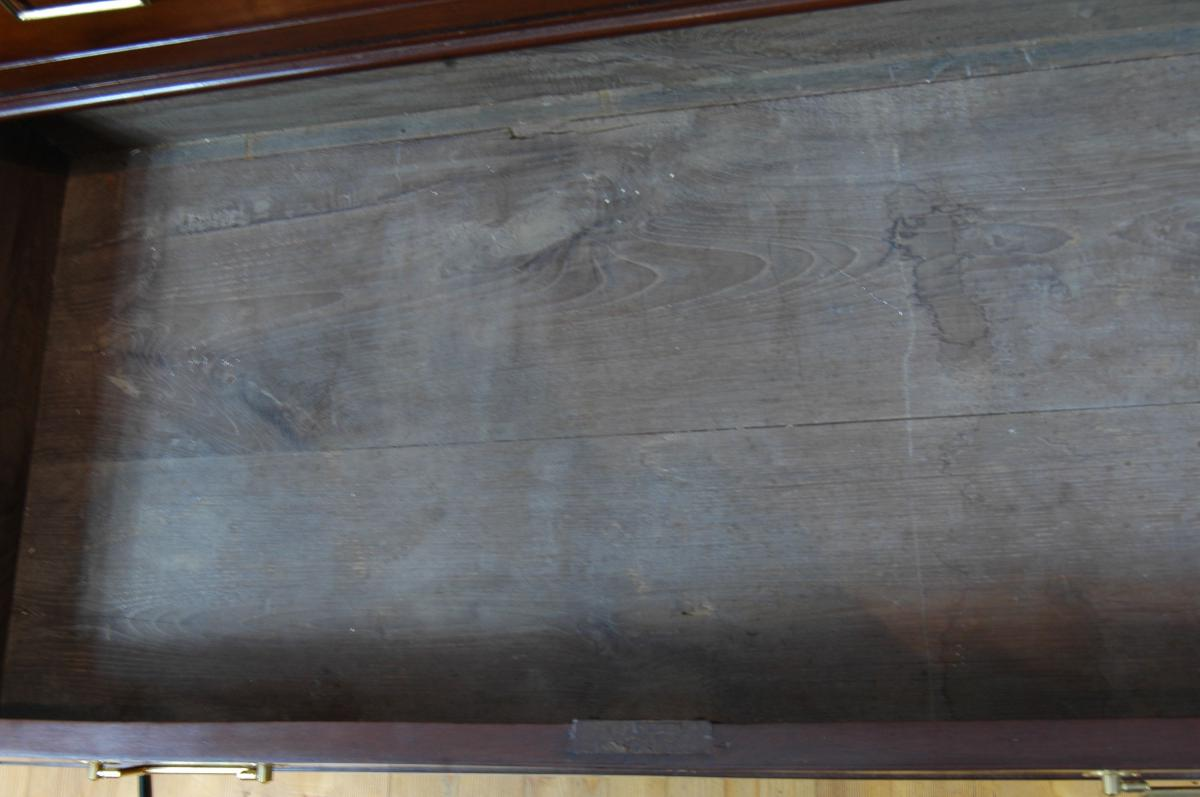 Commode Louis XVI en acajou et placage d'acajou-photo-1