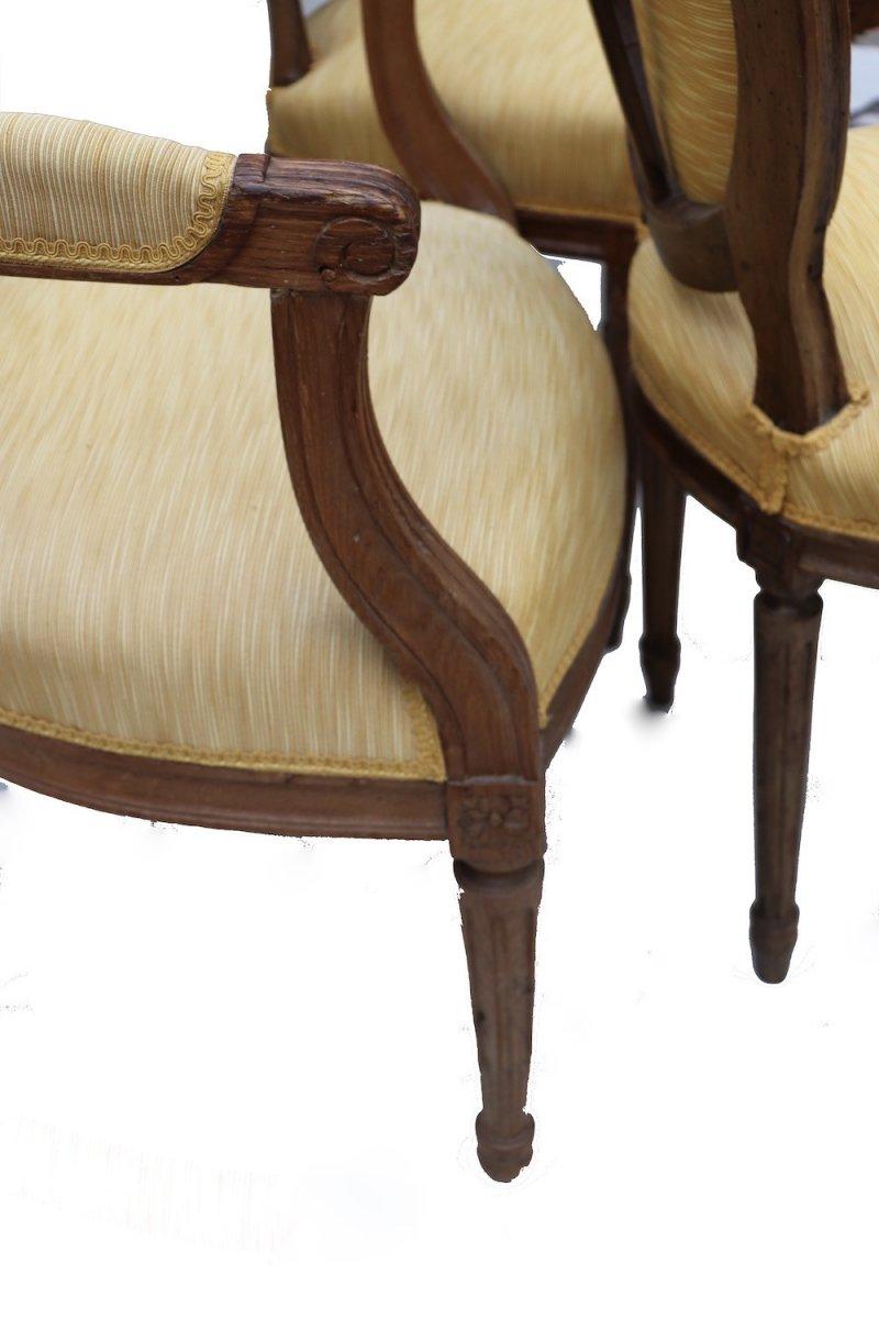 Ensemble de quatre chaises et quatre fauteuils en chêne d'époque Louis XVI.  -photo-3