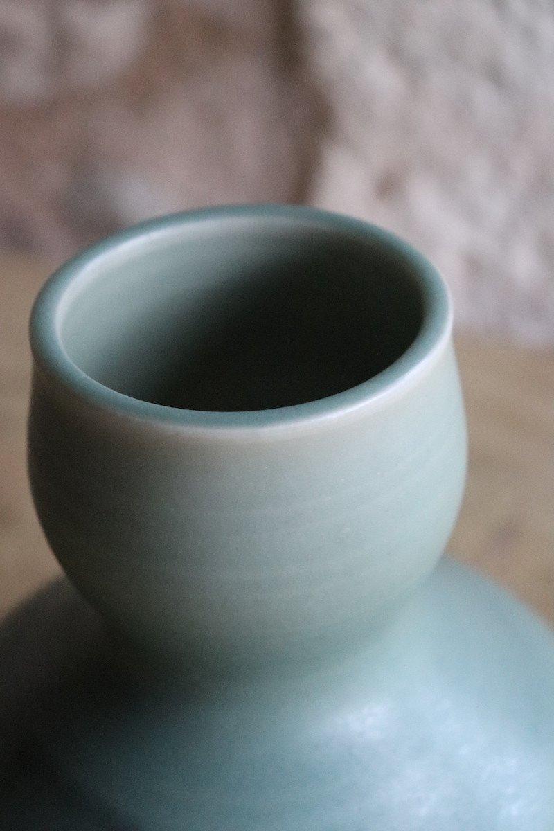 Daniel de Montmollin. Vase Céladon sur porcelaine. H 17,5 cm.-photo-2