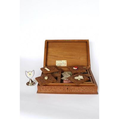 Wooden Game Box Carved South East Asia  XX ° Century.