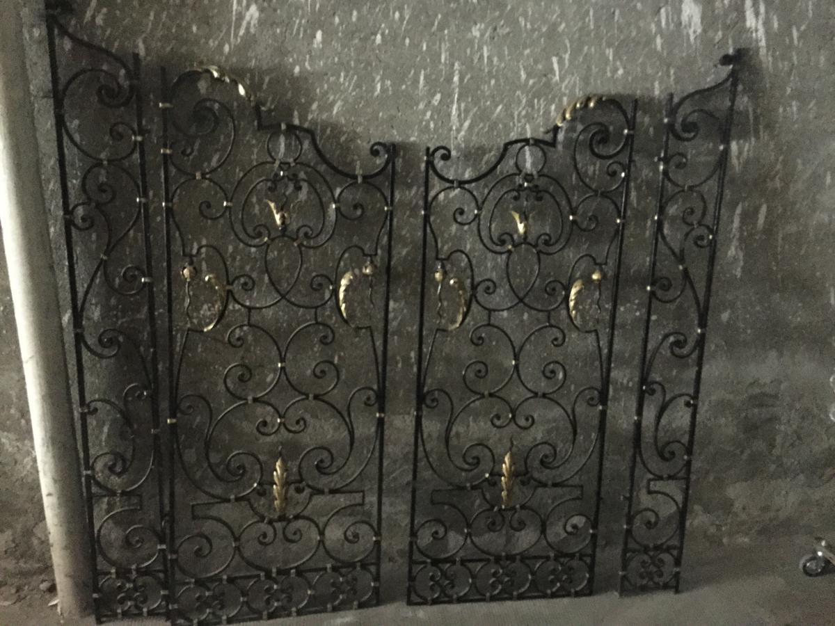 paire de grilles de milieu en fer forg art d co objets de d coration. Black Bedroom Furniture Sets. Home Design Ideas