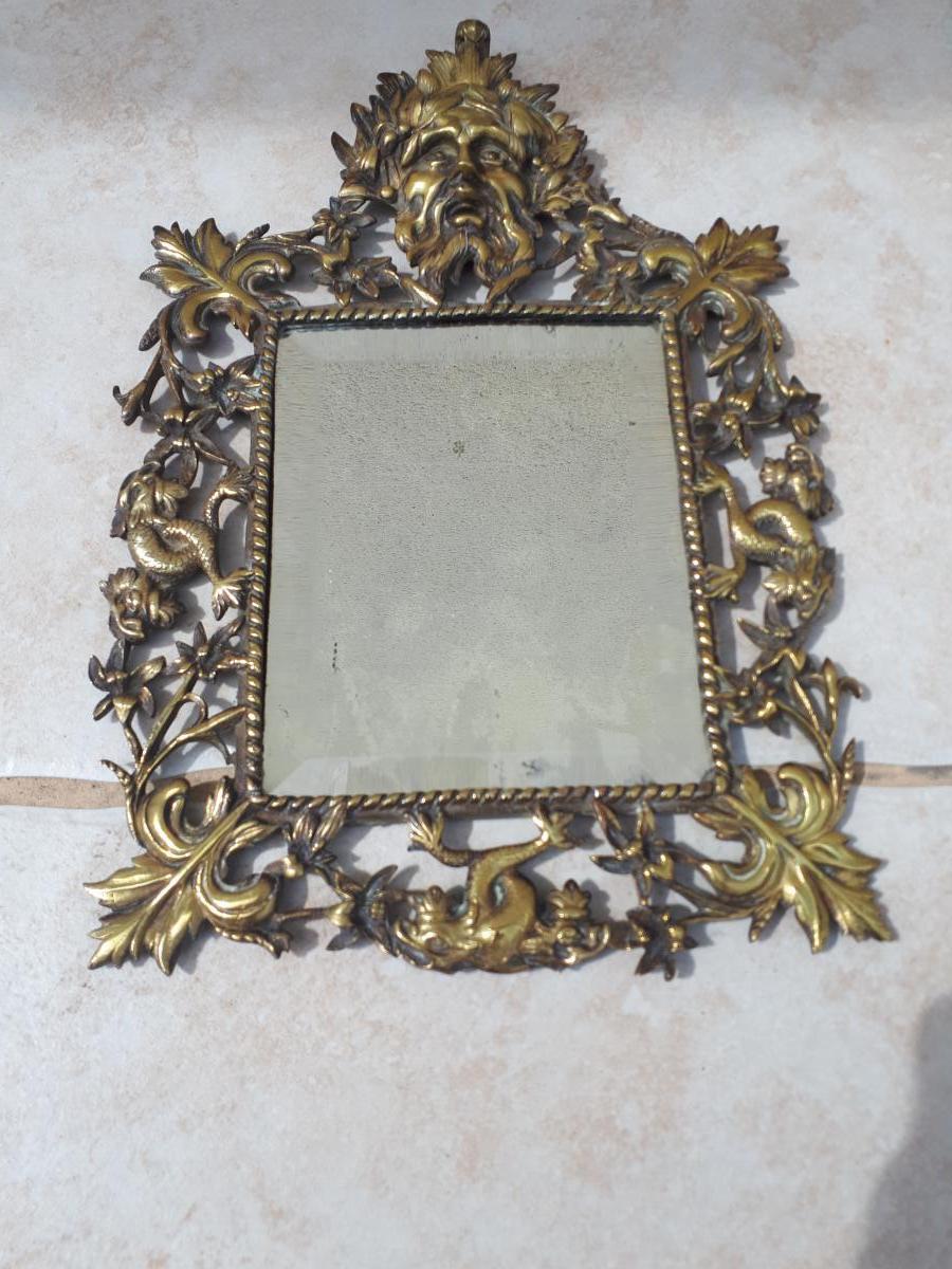 Petit Miroir 18 Eme à Représentation De Poséidon Dieu De La Mer
