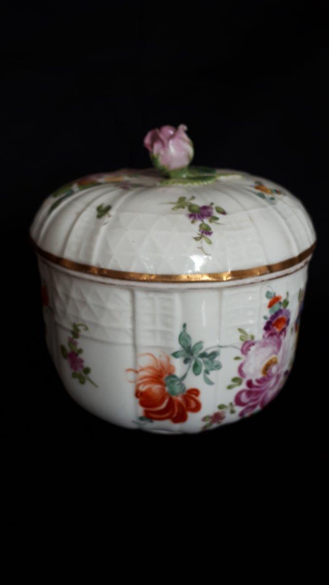 Pot Couvert En Porcelaine à Décor Polychrome Meissen 18 Eme -photo-4