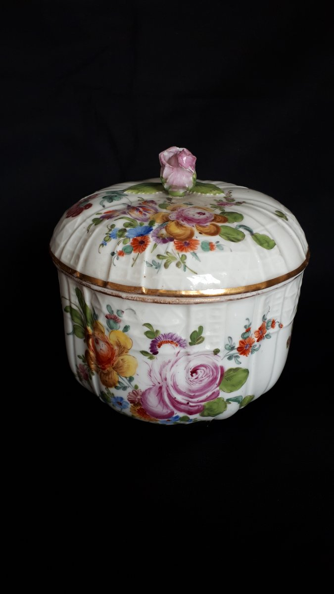 Porcelain Covered Jar With Polychrome Decor Meissen 18 Eme