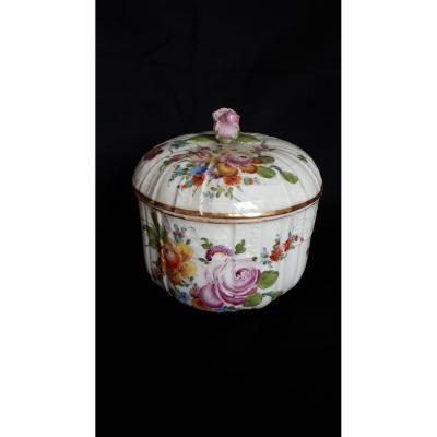 Pot Couvert En Porcelaine à Décor Polychrome Meissen 18 Eme