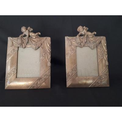 Paire De Cadres / Porte Photos En Bronze à Motifs d'Angelots