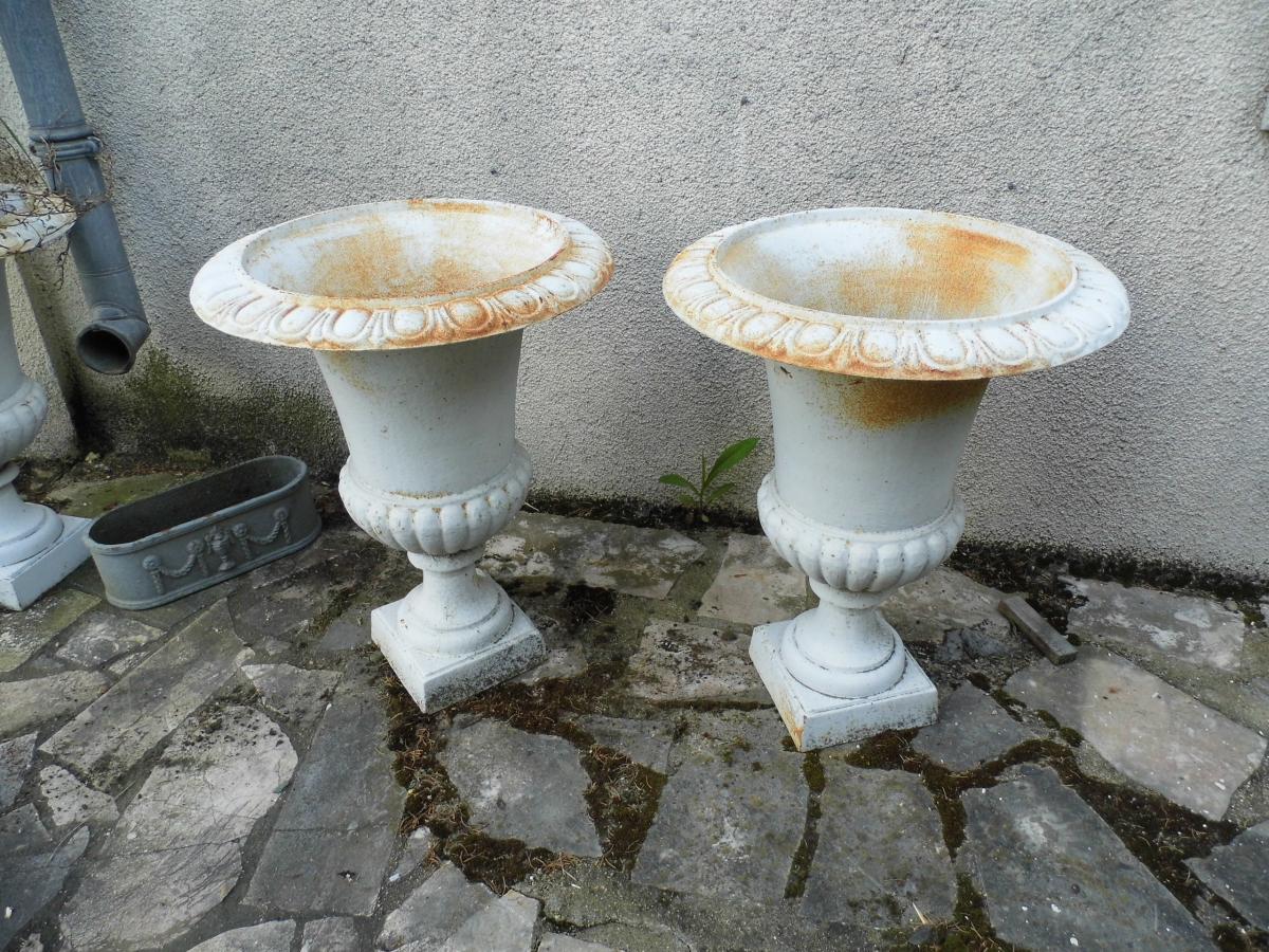 Paire De Vases Médicis En Fonte Blanche