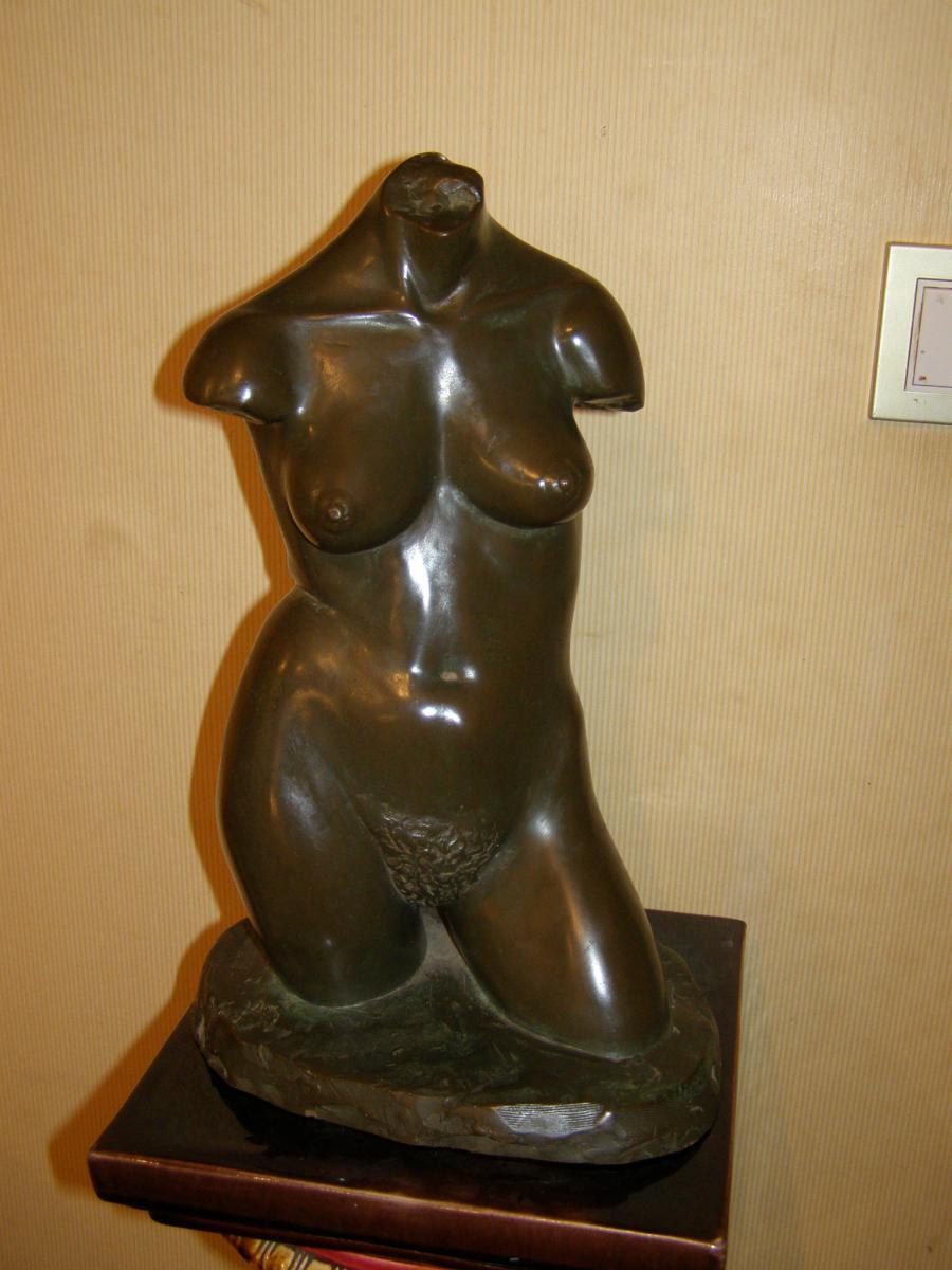 """Buste De Femme En  Bronze resine Signé """"alec Wiles 1977"""""""