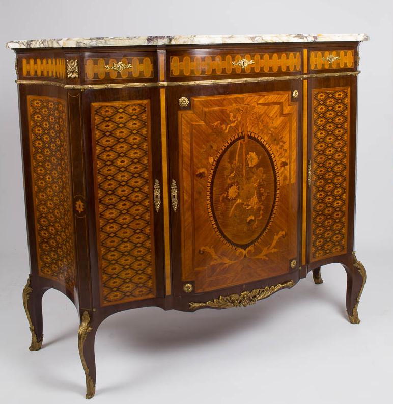 Buffet à Hauteur d'Appui En Marqueterie Et Bronze Doré Dessus Marbre, époque XIX.