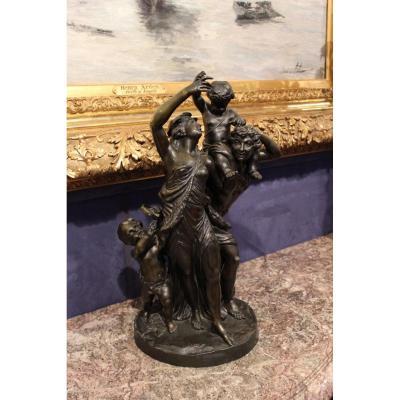 Bronze Bacchanale, signé Clodion.