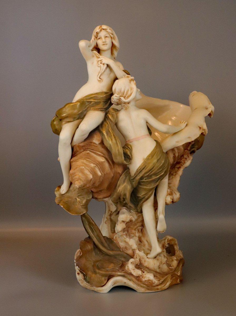Art-nouveau.royal Dux.coupe.naïades/baigneuses.conque.porcelaine émaillée.h44cm