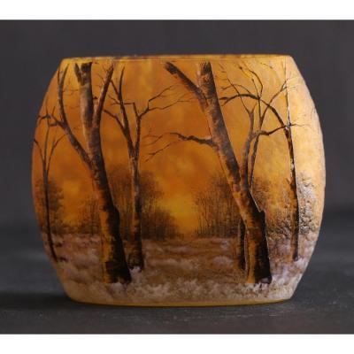 Daum Nancy.small Oval Vase.trees Under The Snow.lighting.glazed Decor. Circa 1900.h 8cm