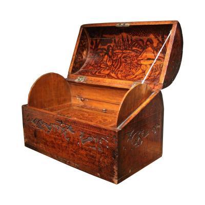 Coffre à Secrets En Cèdre Pyrogravé, Venise, XVIe Siecle