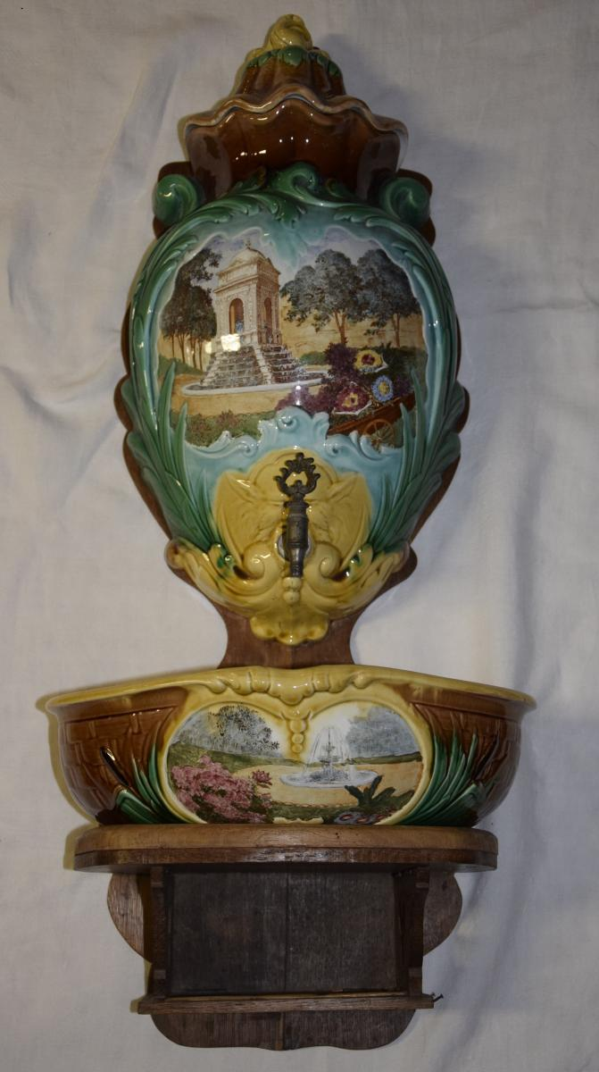 Fountain In Fine Earthenware, Creil And Montereau, Cascade Decoration Late Nineteenth